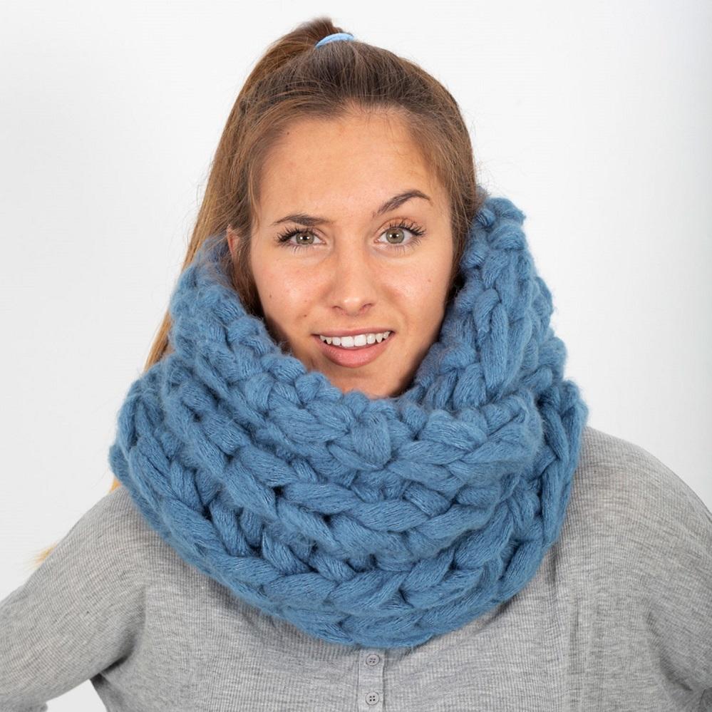patron-tejer-punto-ganchillo-mujer-cuello-otono-invierno-katia-8028-450-g